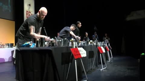 Bartenders battle for title of top Milwaukee mixologist